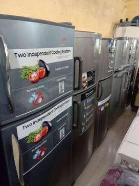 With 5 year warranty 260 liter double door fridge