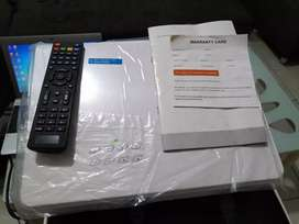 Proyektor led96+ WiFi tv tuner 3000 lumens