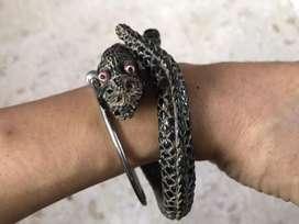 Gelang uli hitam ukir naga dengan mata tridatu antik dan metaksu