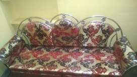 3 months Old 5 seater steel sofa set