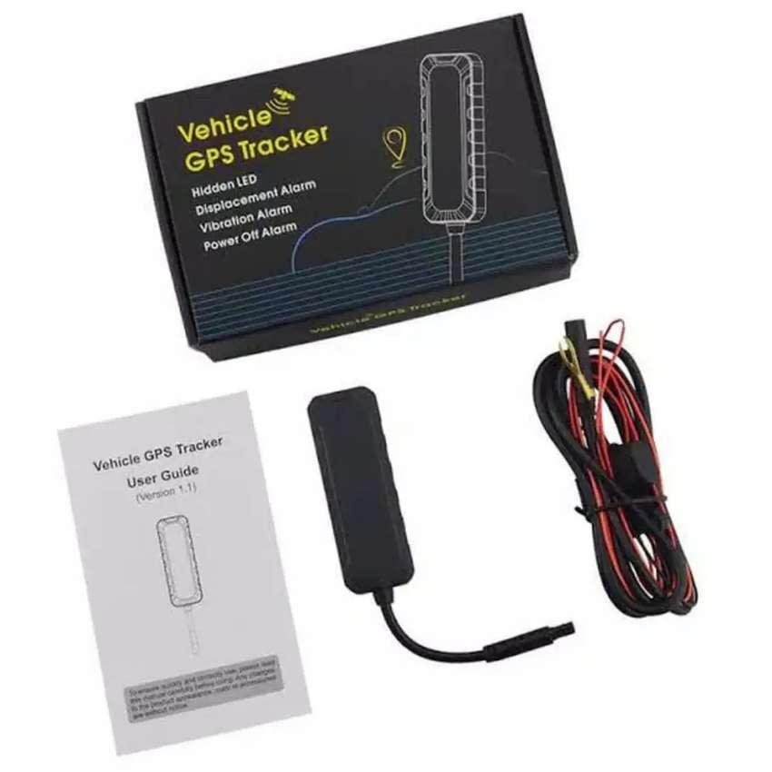 GPS tracker kecil alat pelacak mobil plus pasang di Cibinong 0