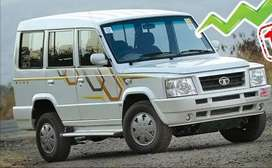 9 seater car for daily rent 1300/day