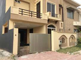 7 Marla house available for rent Non furnished and Furnished