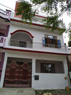 first floor,park facing on rent in posh location nearby metro station