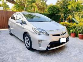 Toyota Prius 2013 get finance on easy installments MGI