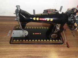 Usha deluxe sewing machine