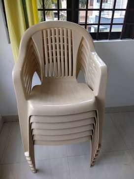 Plastic chairs with arm rest 18 numbers