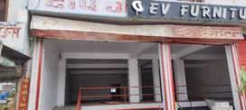 Showroom size shop for rent near airport
