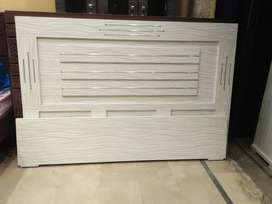 White color customize bedroom set for sale