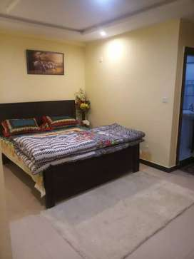 3 bed furnished Apartment  available for rent bahria town par day 8000