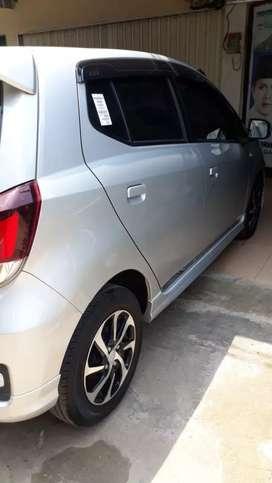Daihatsu Ayla Type R tertinggi Like New km 3000 perak