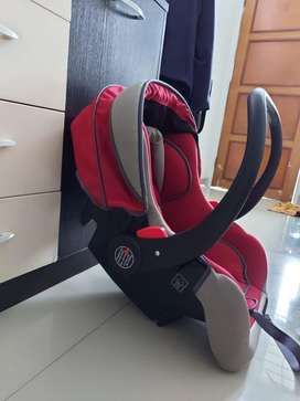 Car seat baby merk babydoes