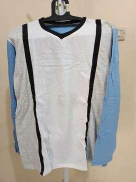 Kaos olahraga putih biru