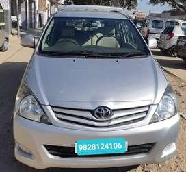 Toyota Innova 2.5 G (Diesel) 8 Seater BS IV, 2010, Diesel