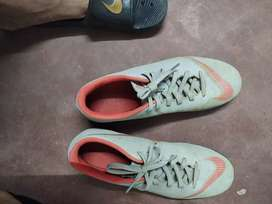 Nike mercurial size 7