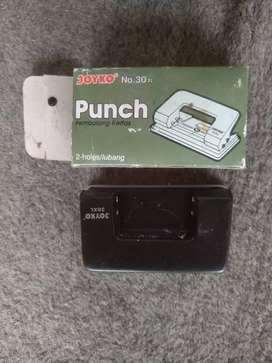 Punch stationary (bolongan)