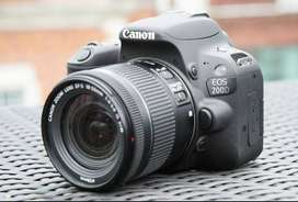 Canon 200d with 2 lenses