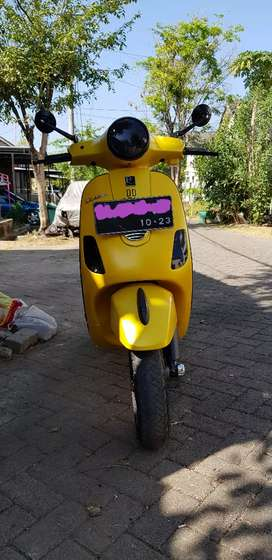 Vespa LX 150 Yellow Doff