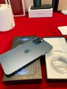 Apple iphone all variants available with us with bill box just call me