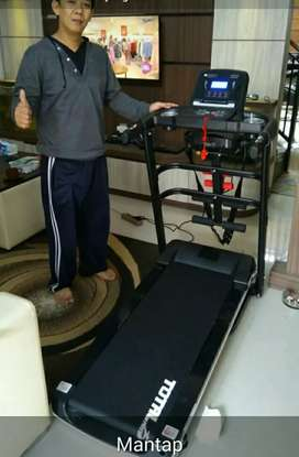 Treadmill elektrik Tl . 1.5hp tiga fungsi total fitness