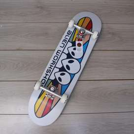 Skateboard fullset white flag series