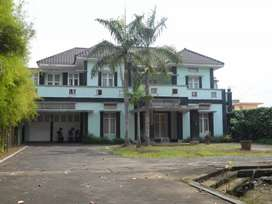Rumah Besar Mewah Halaman Luas Pinggir Jalan Anggajaya Condongcatur