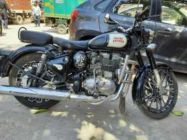 Royal Enfield classic 350 black with all genuine paper