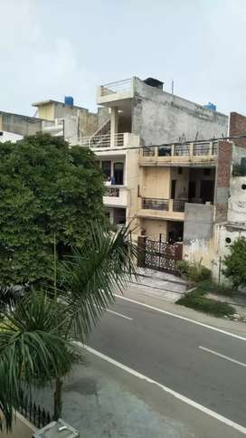 2 bhk kothi  at model Town extn