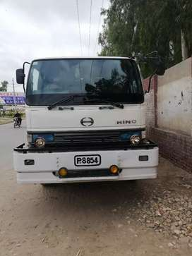 Hino oil tanker pso pass 15000 liters zabardast condition