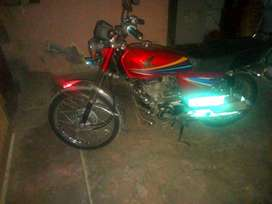 Honda 125 one hand use in good condition with original spair parts
