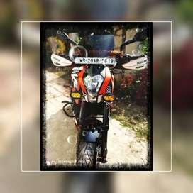 KTM DUKE 200,