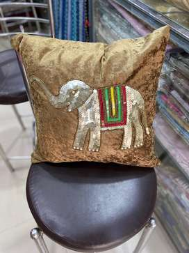 Almost 3 years running Handloom and home decor store on rent
