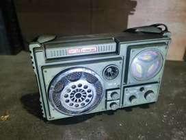 Radio transistor unik tentara merk db Sonic