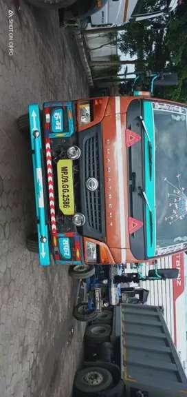 Bharatbenz 1214 truck