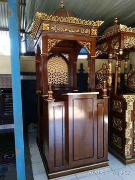 mimbar masjid kubah biasa
