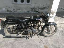 Royal Enfield Bullet(Black)