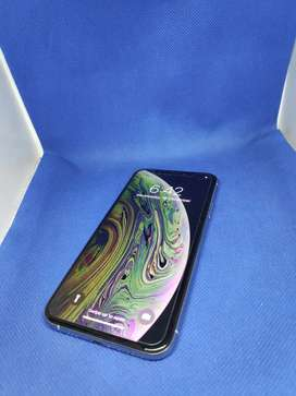 Apple iPhone XS 64GB IN BEST CONDITION