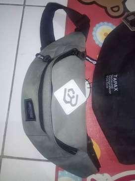 Tas selempang untuk pria