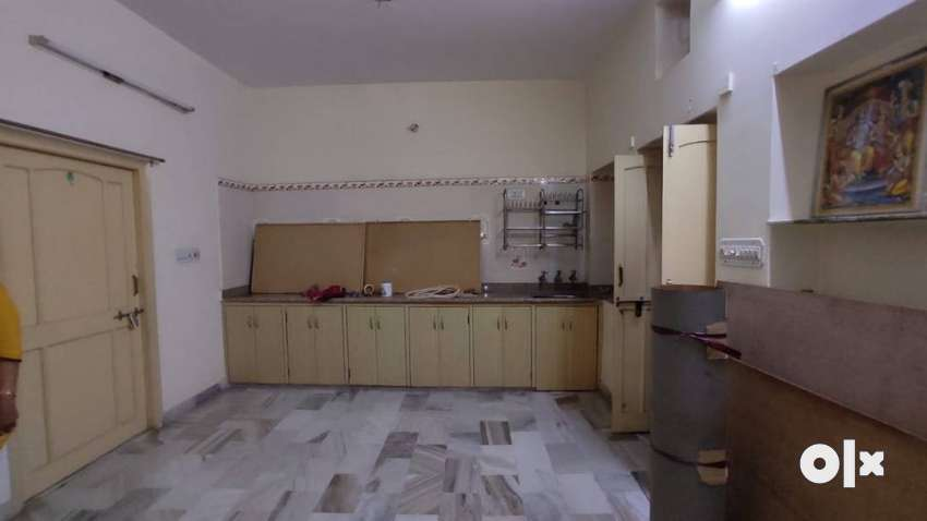 Near Cnetral Academy 2 rooms, Lat-Bath, Kitchen (For Small Family)