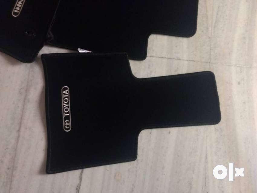 Unused Innova crsyta original foot mates model 8 seater
