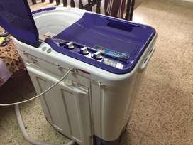 Whirlpool semi automatic washing machine