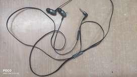 BOAT BassHeads 220 Wired Earphones(Black)