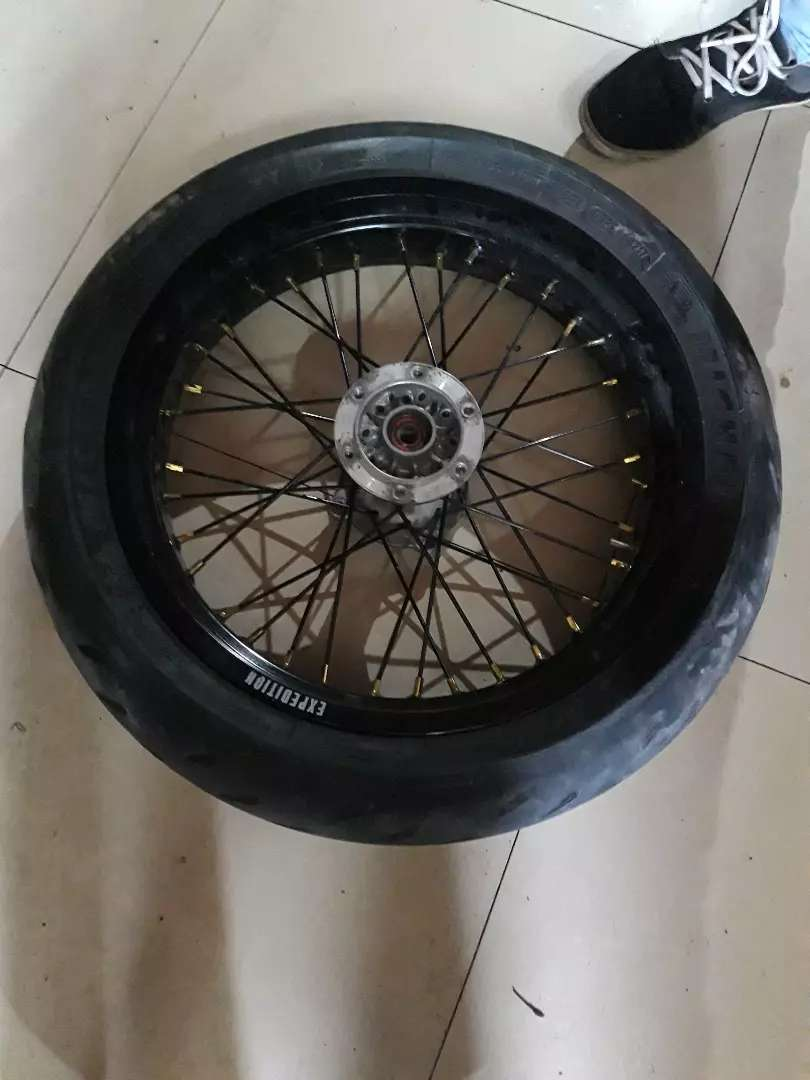 Wheeshet super moto 0