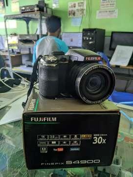 Kamera prosumer fujifilm S4900