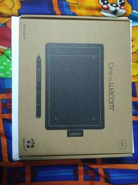 Wacom One by CTL-471 Graphics Tablet