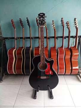 Gitar akustik costume