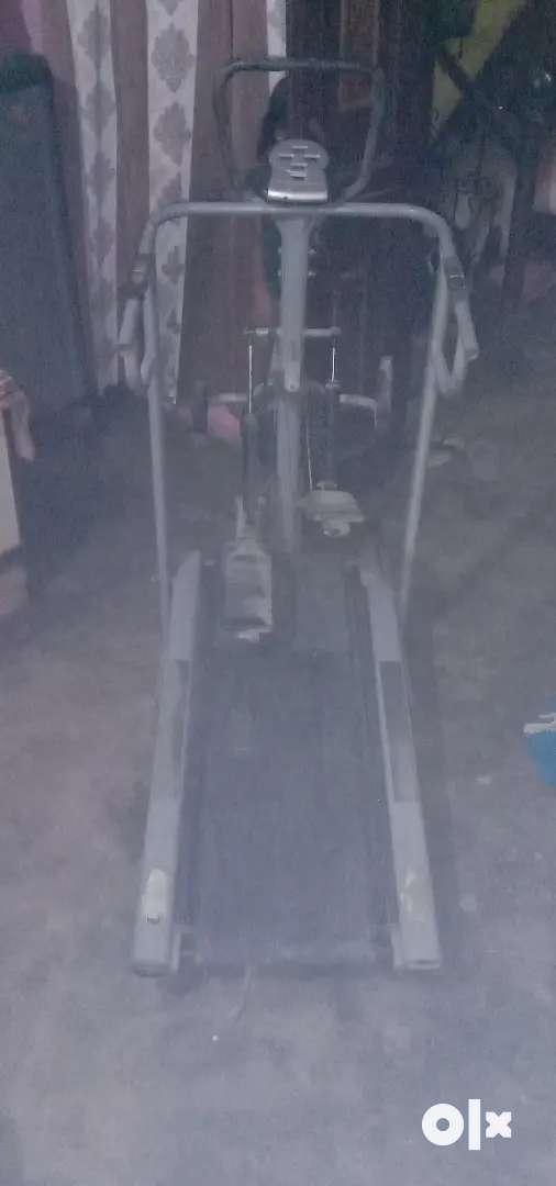 Treadmill running masine hai