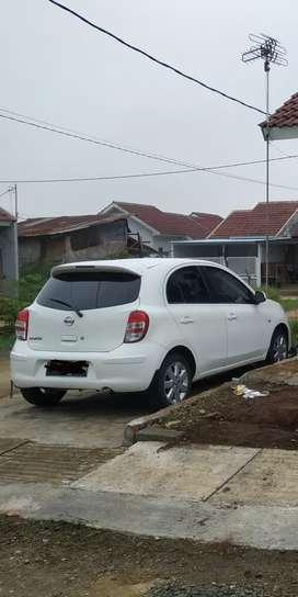 Dijual Mobil Nissan March 1.2 A/T 2013