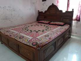 Double bed ( Rosewod tree)