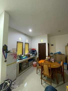 Rumah lantai 2 berlokasi di denpasar barat